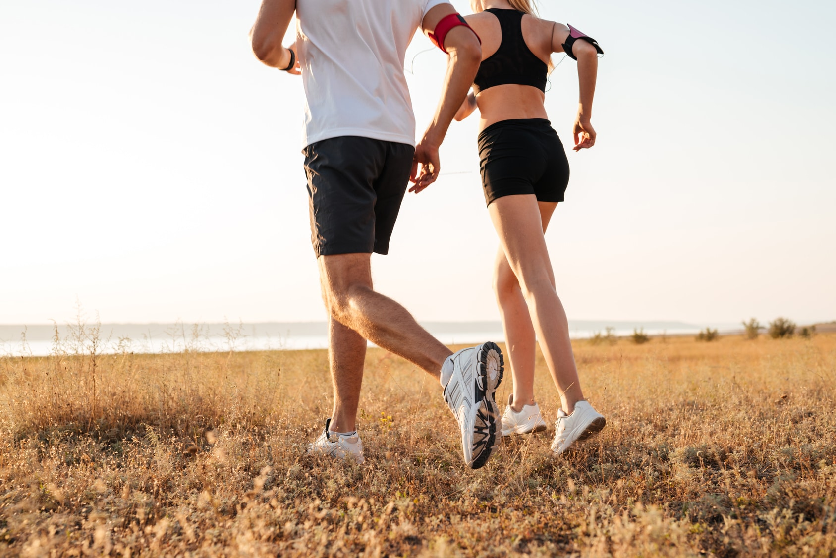 couple running trying to lose weight