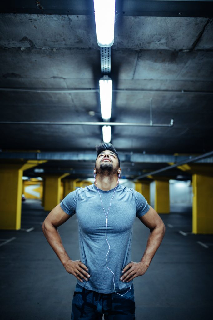6 Easy Steps For Removing The Smell From Gym Clothes Runners