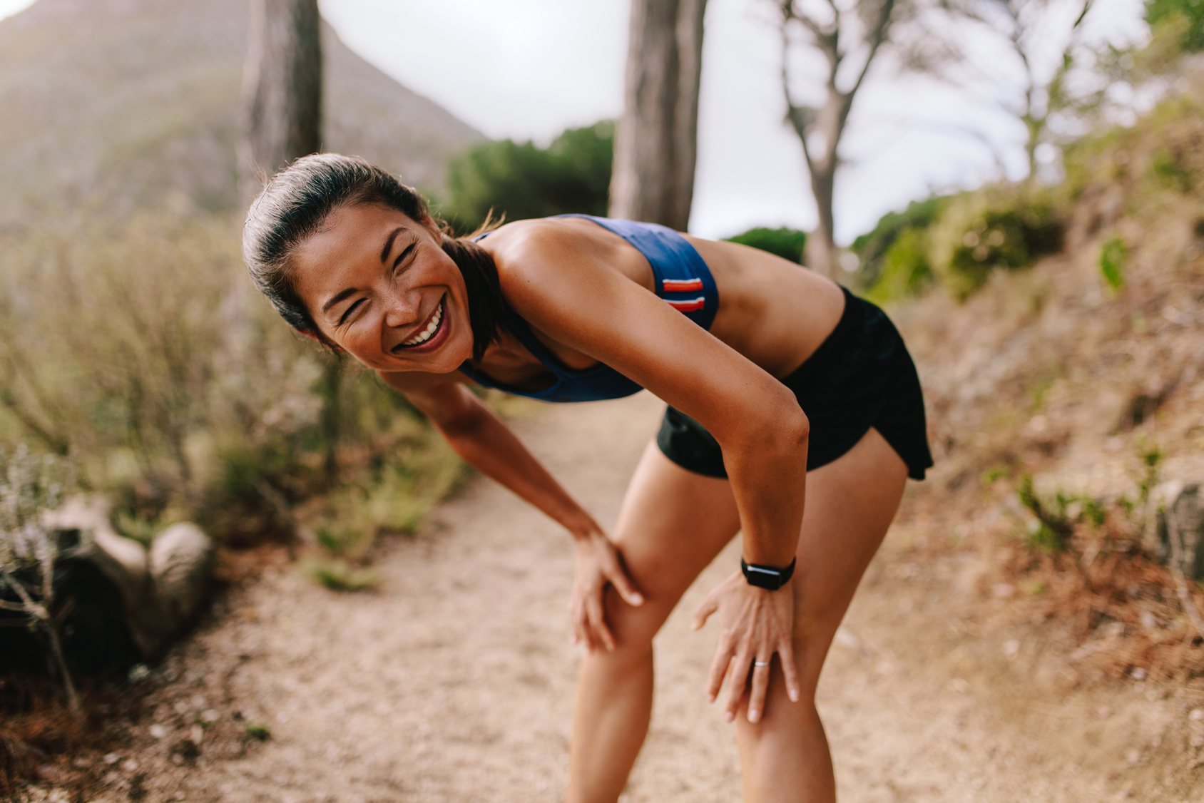 runner dealing with knee pain