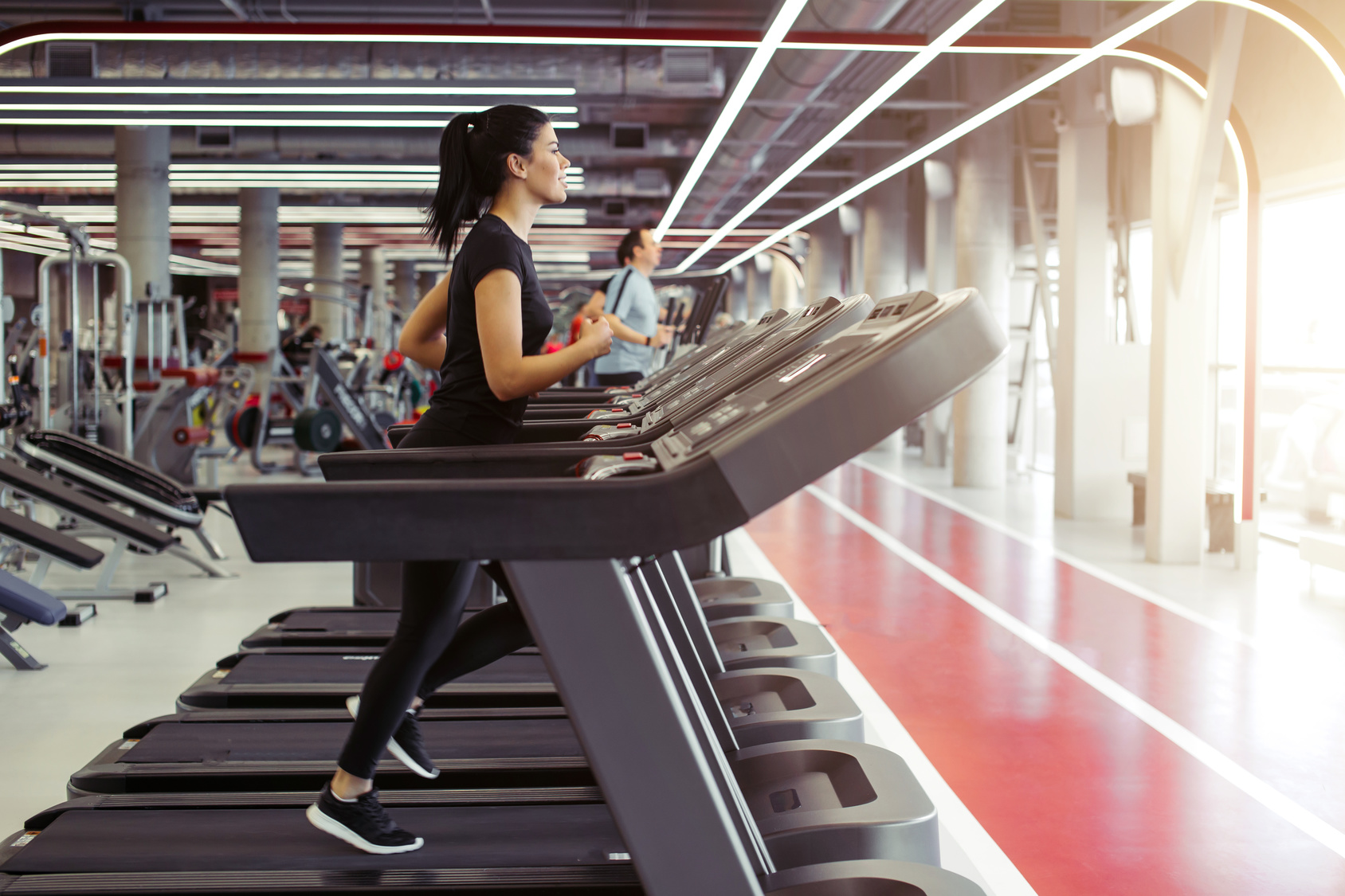 runner trying treadmill for first time